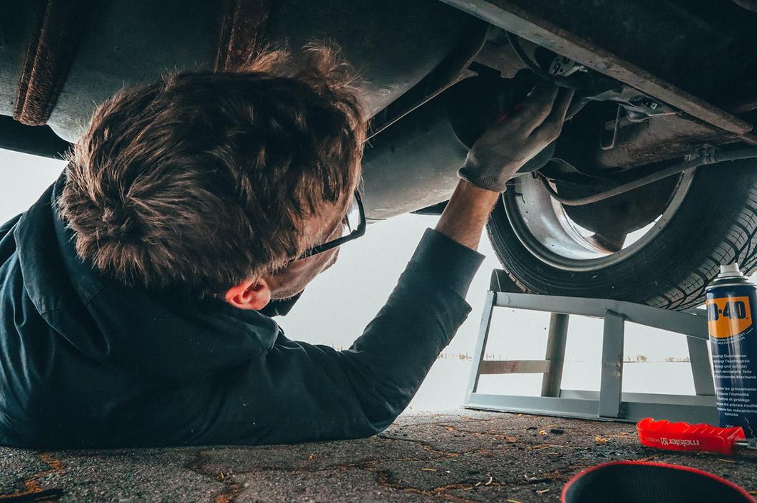 Kupte si náhradní díly a opravte vůz s velkou úsporou